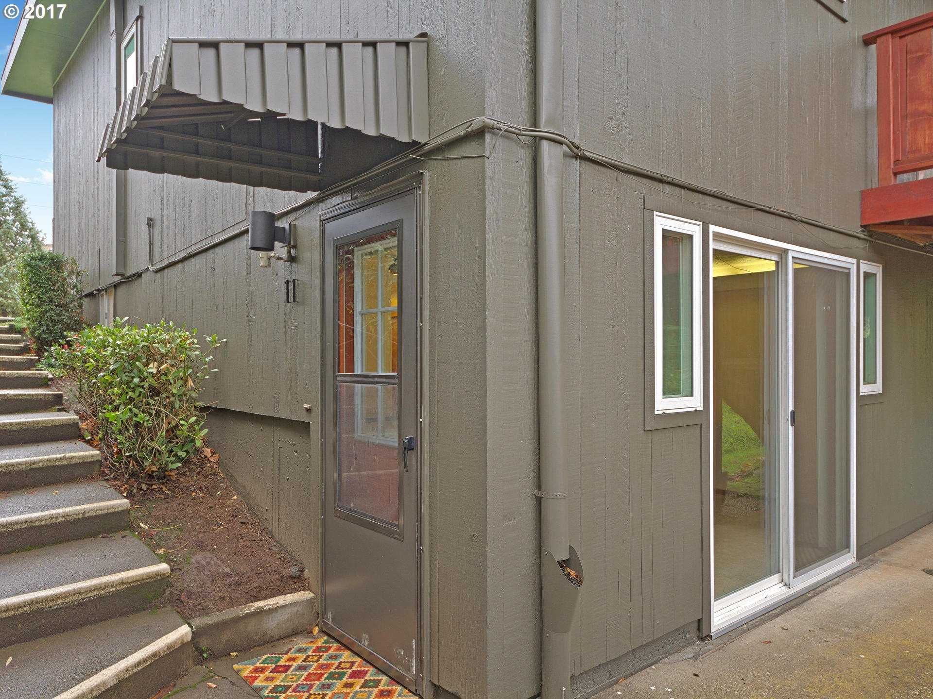 $106,000 - 1Br/1Ba -  for Sale in Raleigh Hills, Portland