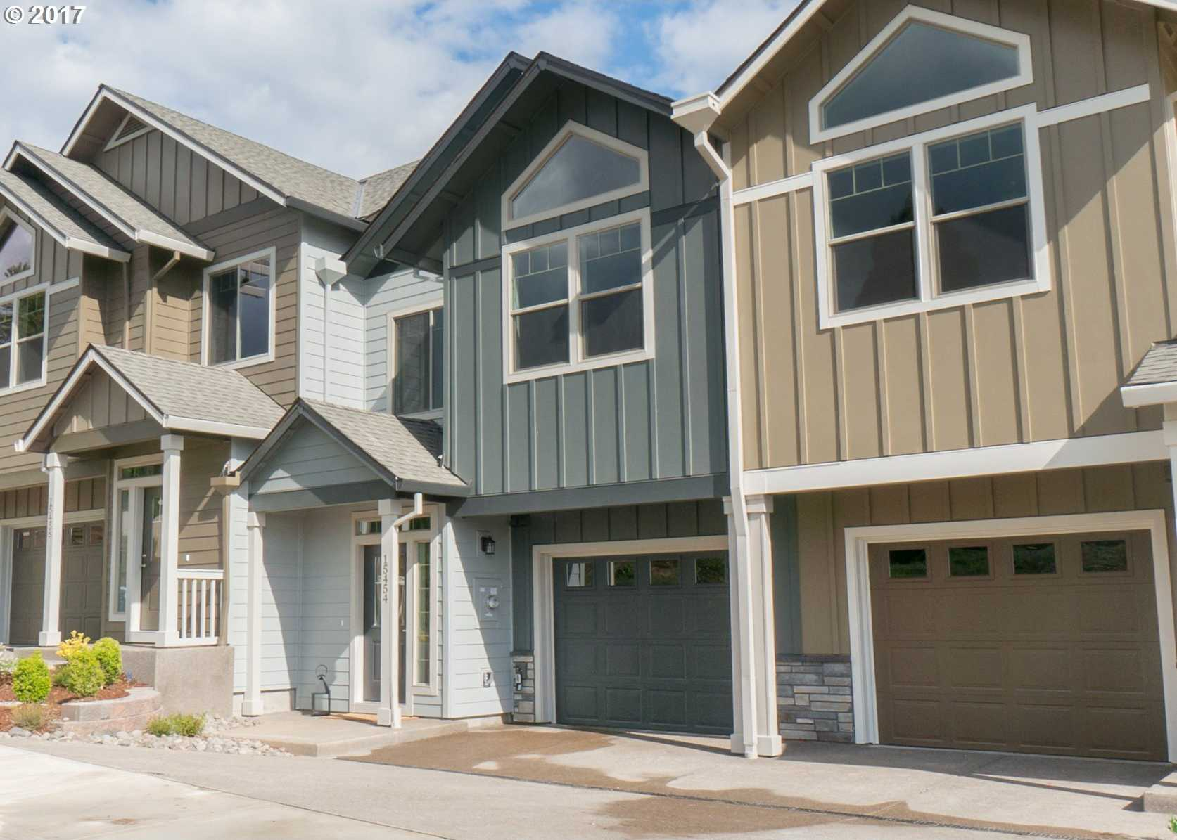 $349,900 - 3Br/3Ba -  for Sale in Crest View Townhomes, Happy Valley