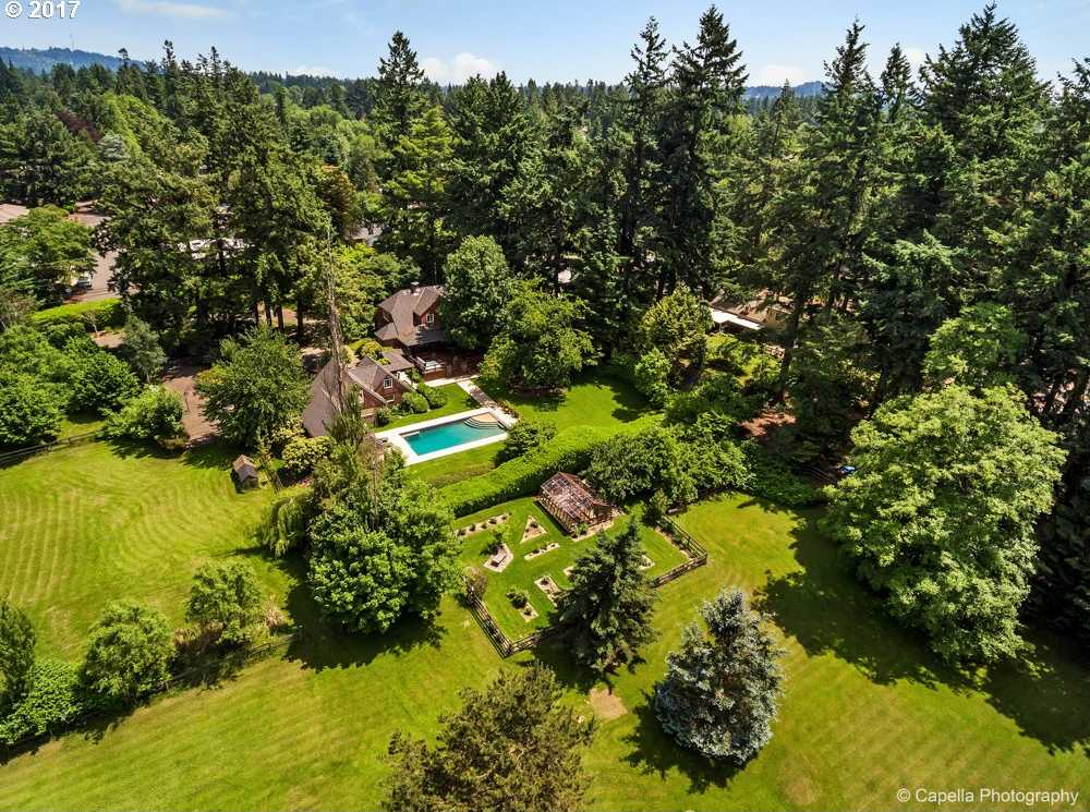 $3,200,000 - 4Br/3Ba -  for Sale in Raleigh Hills, Portland