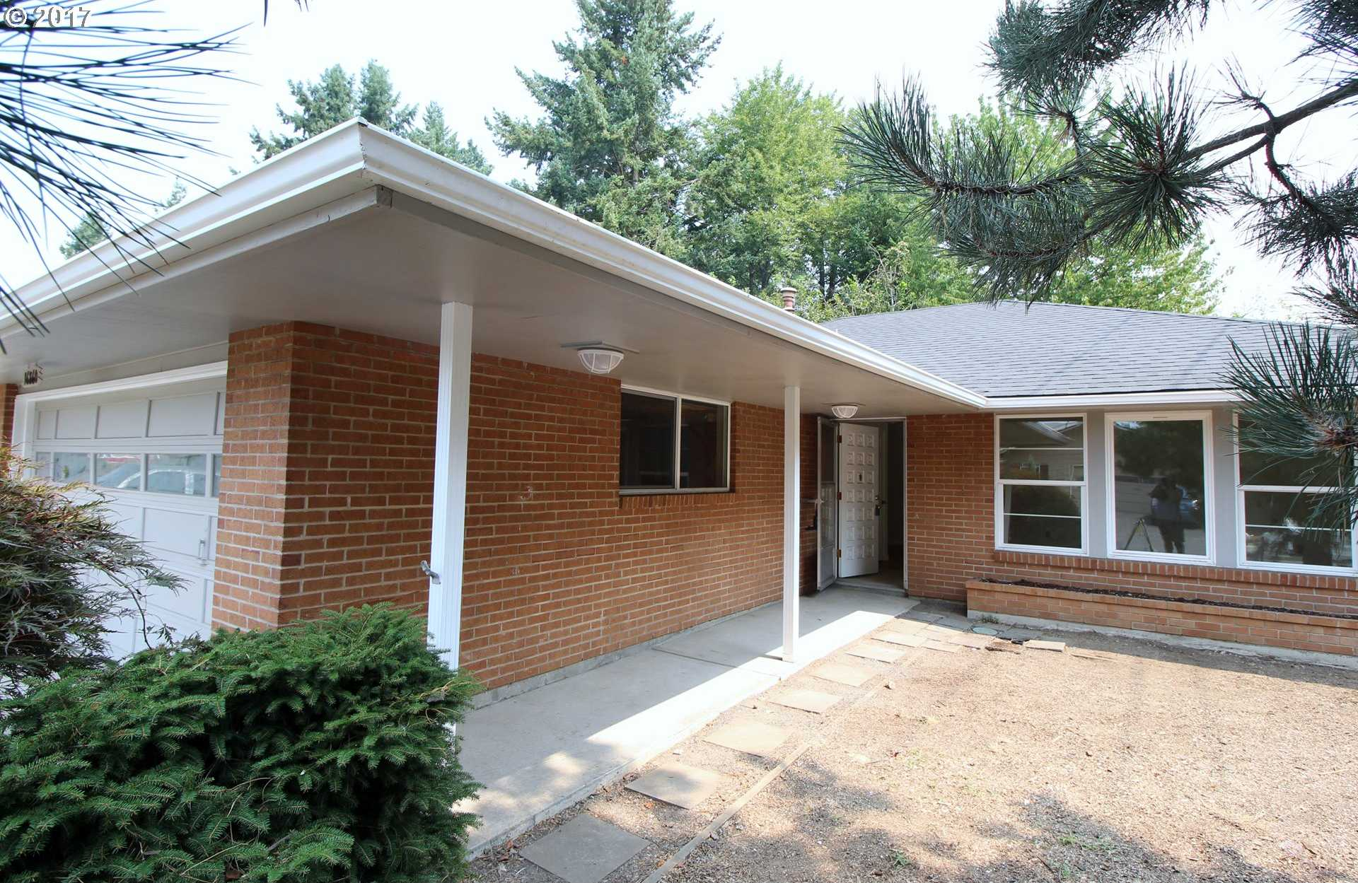 $259,900 - 2Br/1Ba -  for Sale in King City