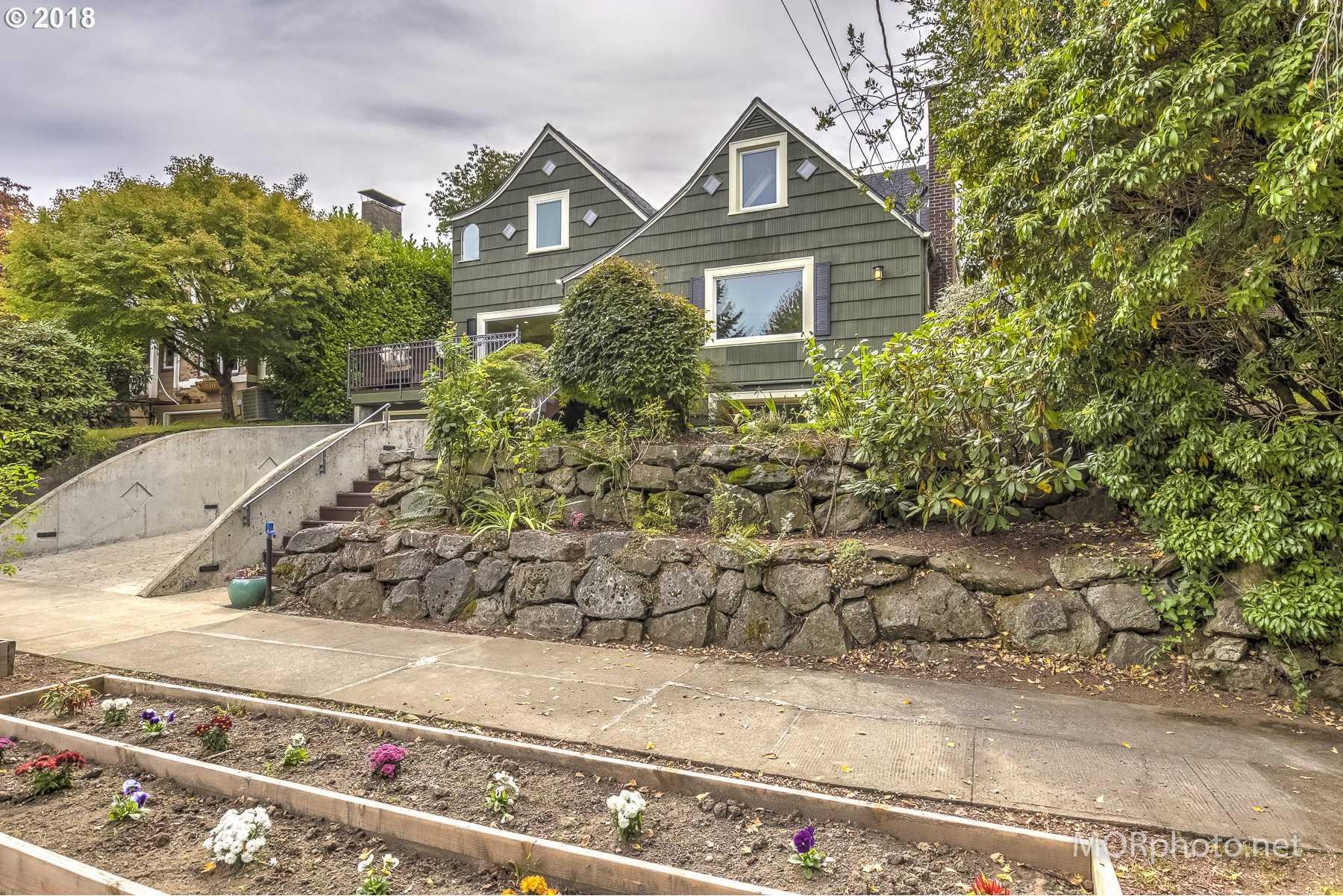$1,099,000 - 7Br/5Ba -  for Sale in Laurelhurst, Portland