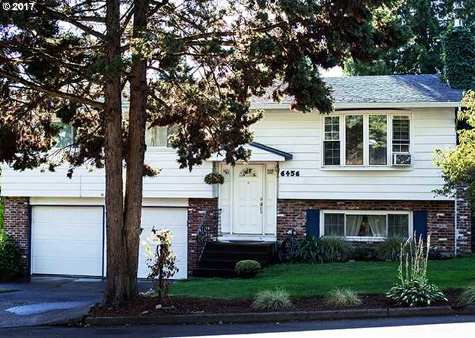 $324,000 - 3Br/3Ba -  for Sale in Cedarcrest, Milwaukie