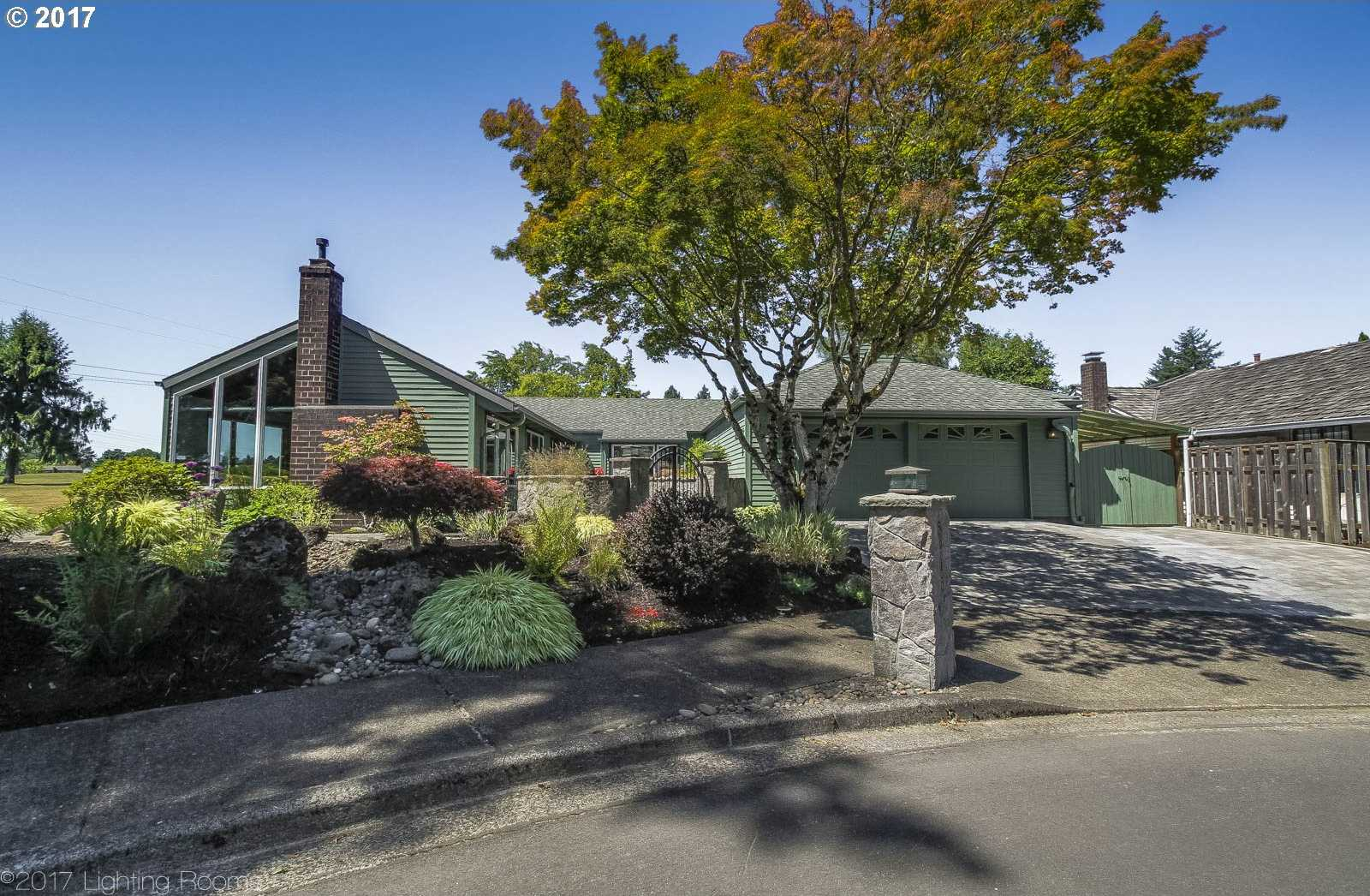 $639,000 - 3Br/3Ba -  for Sale in Rock Creek Golf Course, Portland