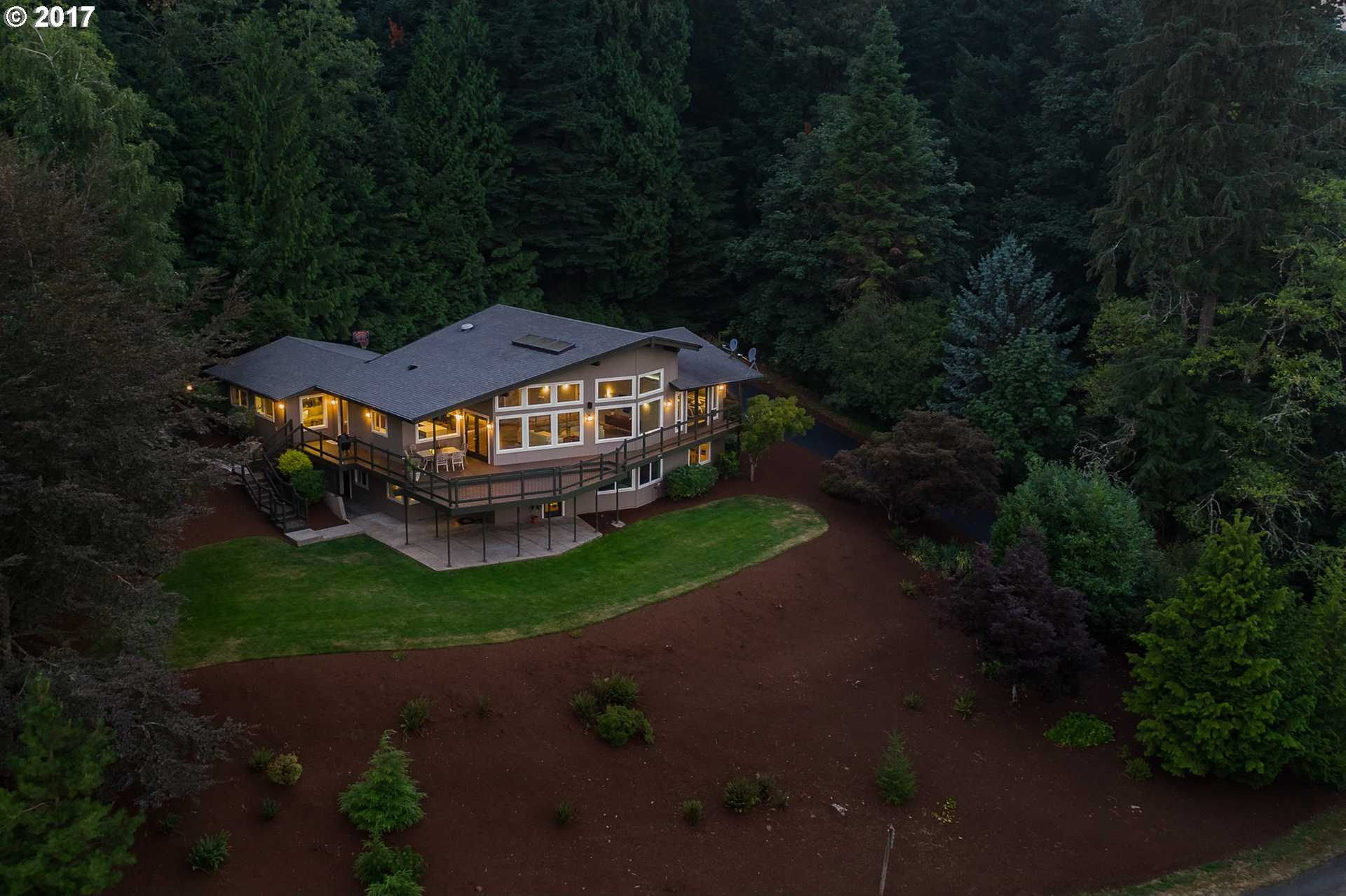 $949,999 - 4Br/3Ba -  for Sale in Persimmon Country Club, Gresham