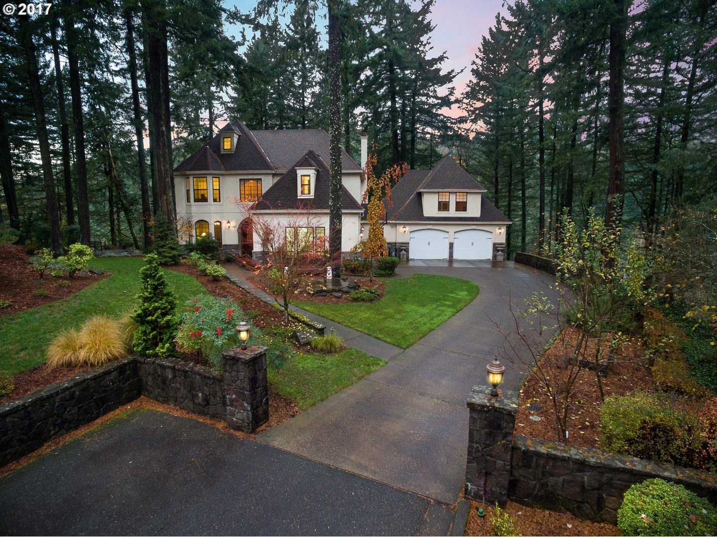 $1,999,500 - 5Br/6Ba -  for Sale in Summit/village On The Lake, Lake Oswego