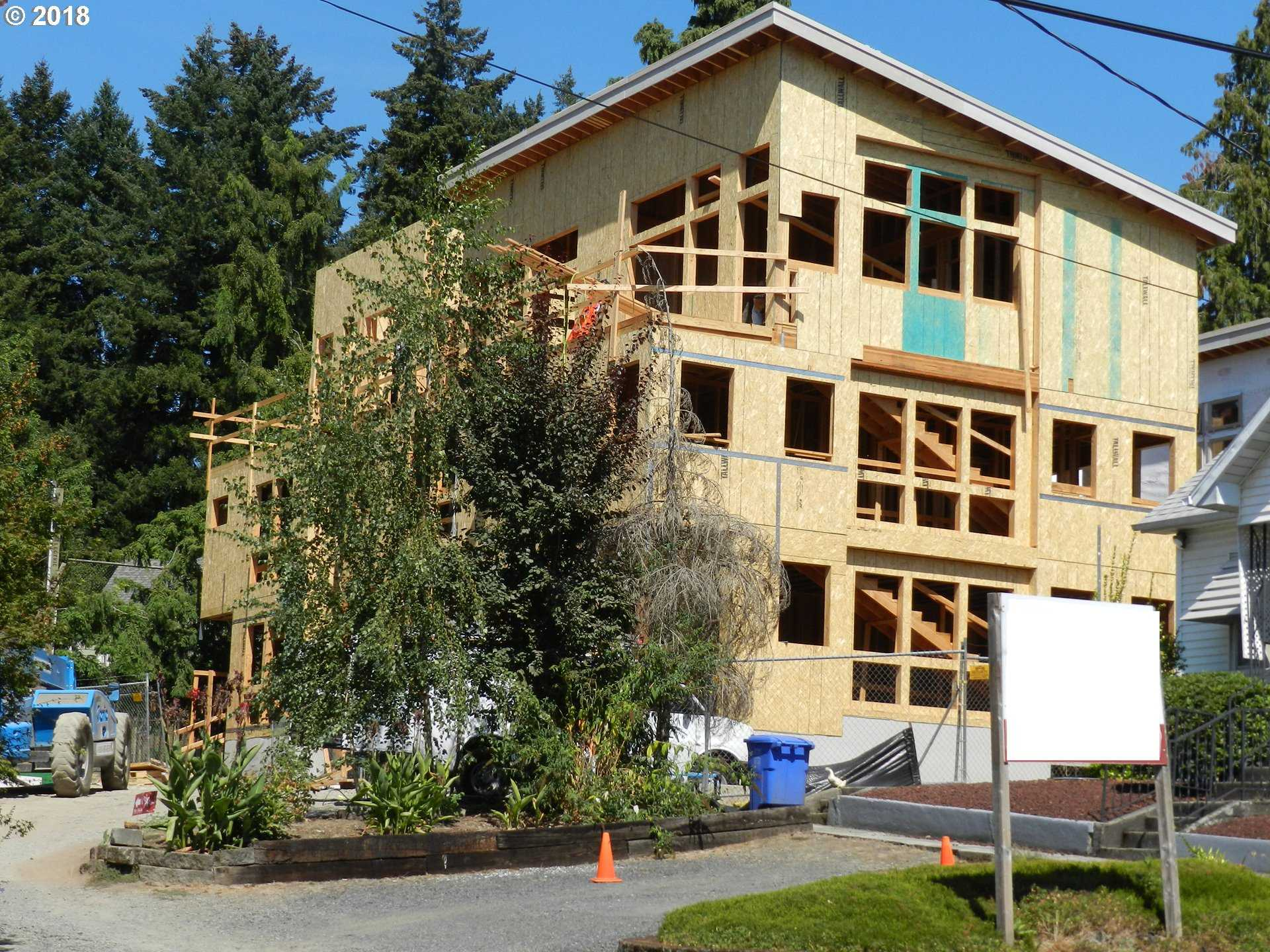 $750,000 - 3Br/3Ba -  for Sale in Sellwood, Portland