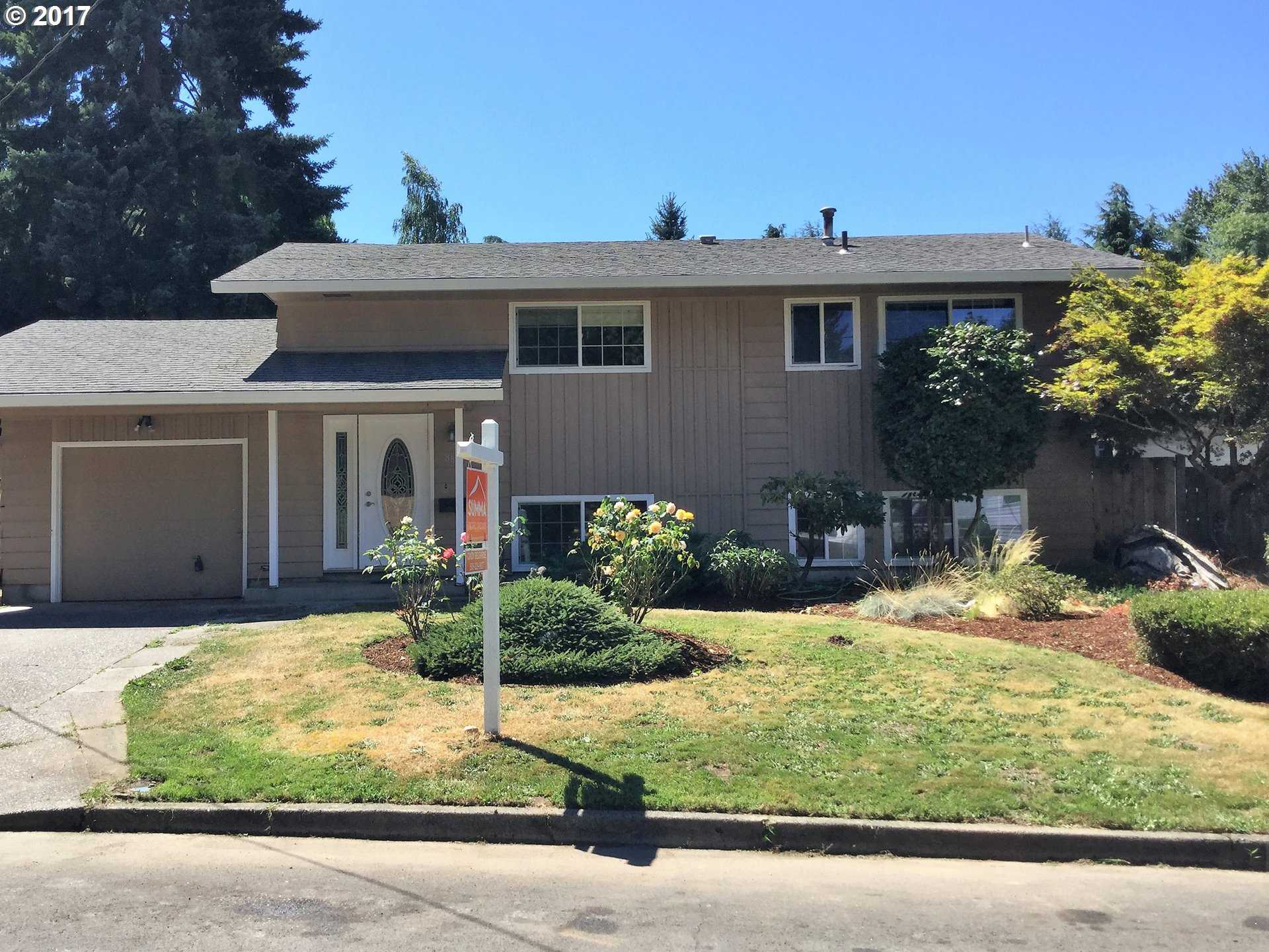 $319,000 - 4Br/2Ba -  for Sale in Milwaukie