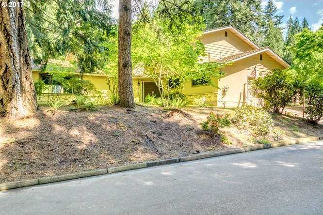 $469,000 - 4Br/3Ba -  for Sale in Aloha
