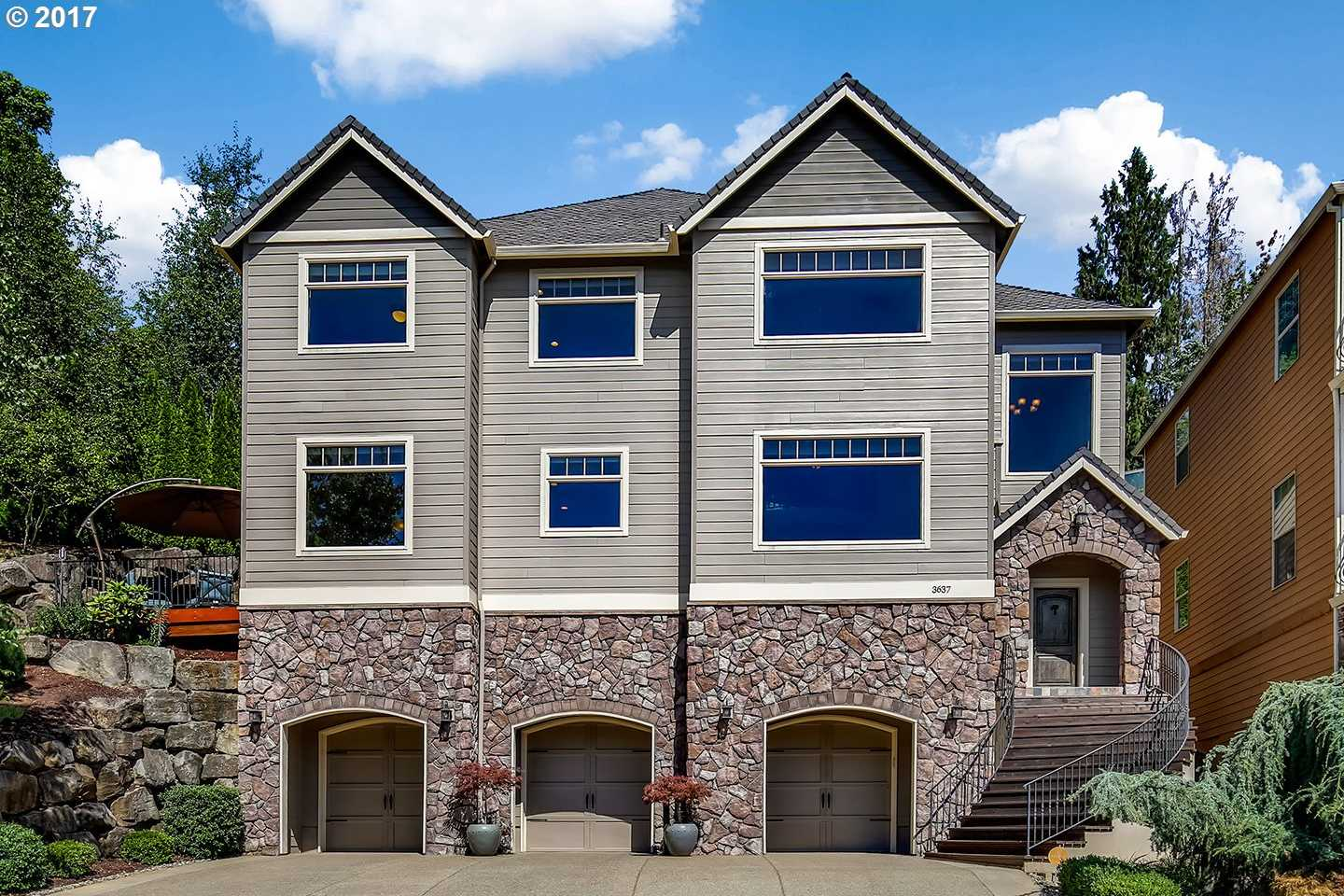 $554,000 - 4Br/4Ba -  for Sale in West Linn