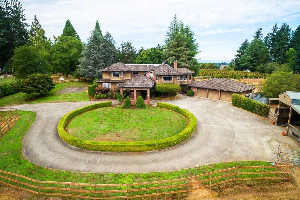 $1,099,000 - 5Br/3Ba -  for Sale in Tualatin
