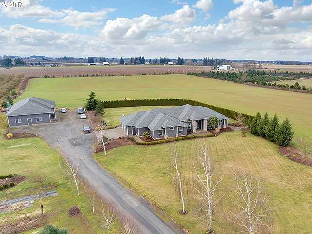 $1,031,000 - 4Br/3Ba -  for Sale in Woodburn