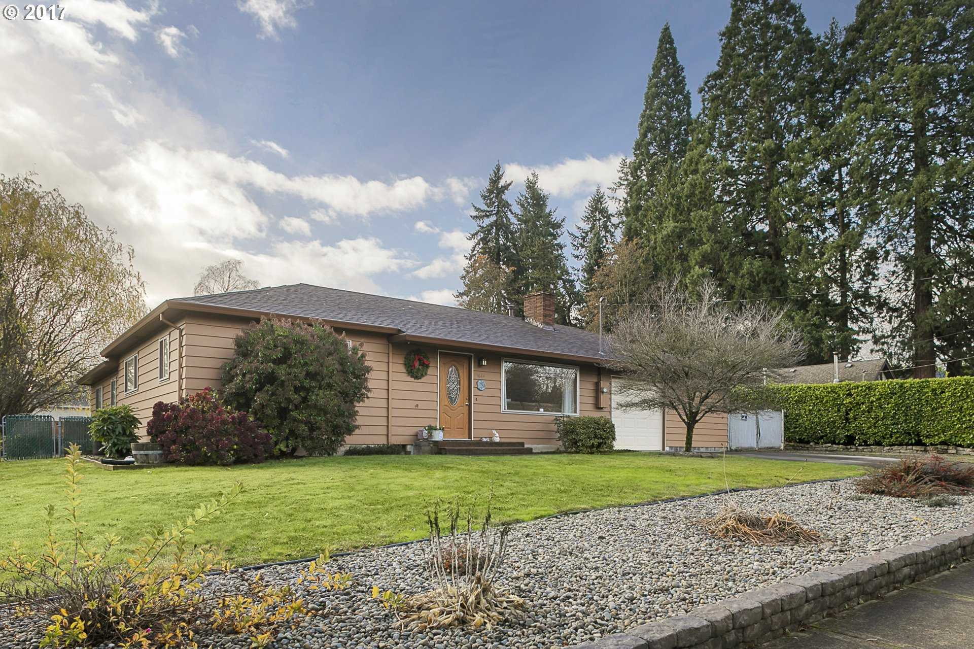 $405,000 - 3Br/2Ba -  for Sale in Ardenwald, Milwaukie