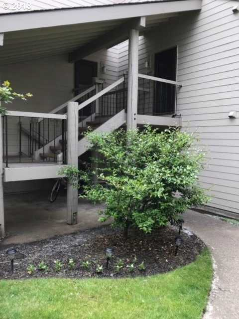 $180,000 - 2Br/2Ba -  for Sale in On The Green, Beaverton