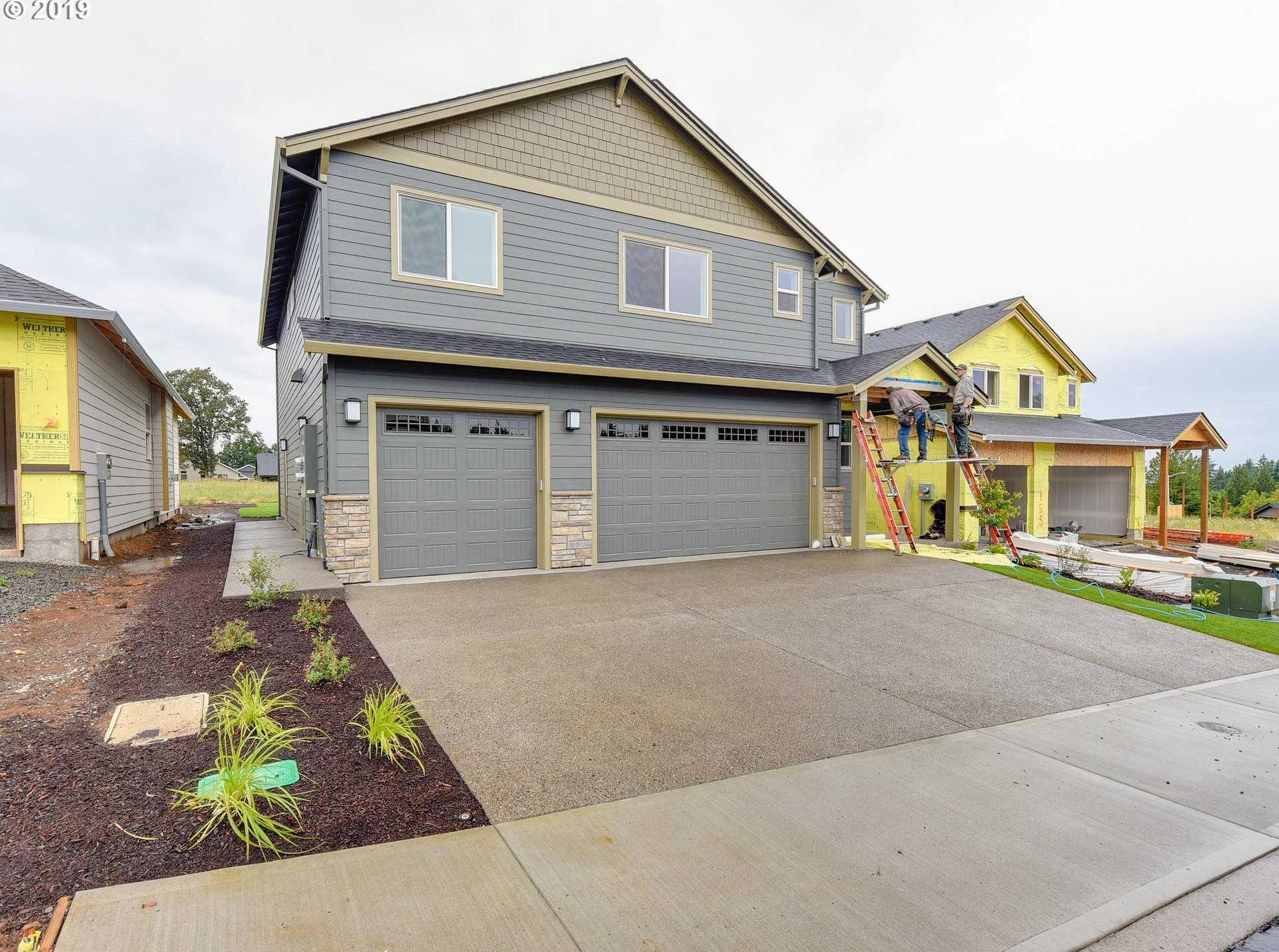 $489,900 - 6Br/4Ba -  for Sale in Regan Hills Phase 3, Estacada