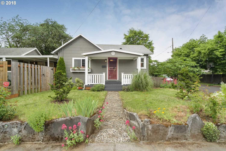 $369,000 - 3Br/2Ba -  for Sale in Foster-powell Neighborhood, Portland