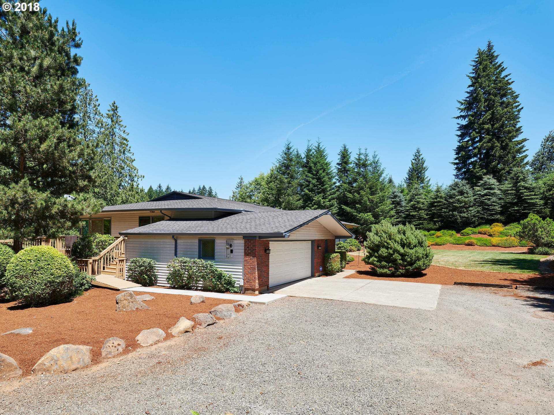 $1,225,000 - 3Br/4Ba -  for Sale in Beavercreek