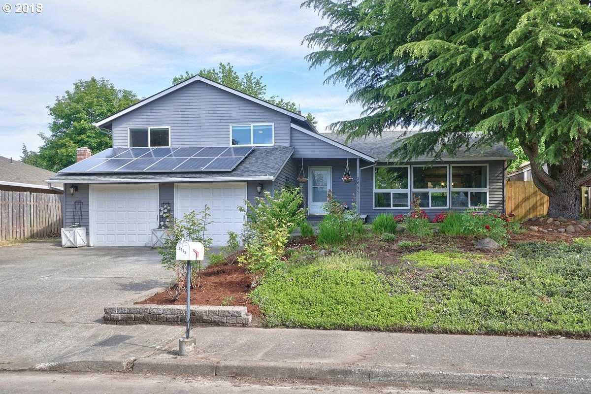 $379,000 - 3Br/3Ba -  for Sale in Near Hillsboro Esplanade Area, Hillsboro
