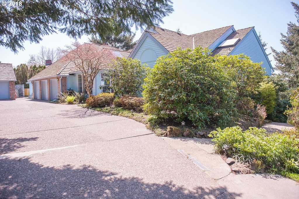 $1,200,000 - 4Br/3Ba -  for Sale in Close-in Skyline, View, Portland