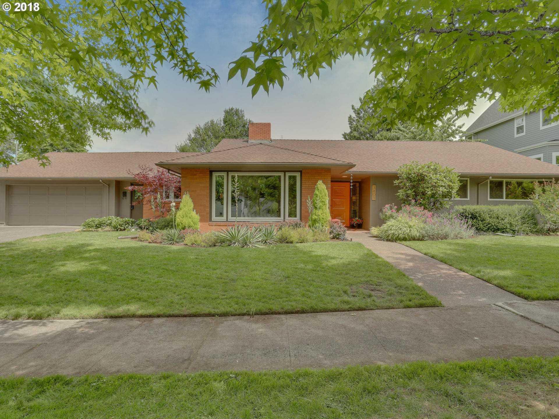 $829,000 - 3Br/3Ba -  for Sale in Eastmoreland, Portland