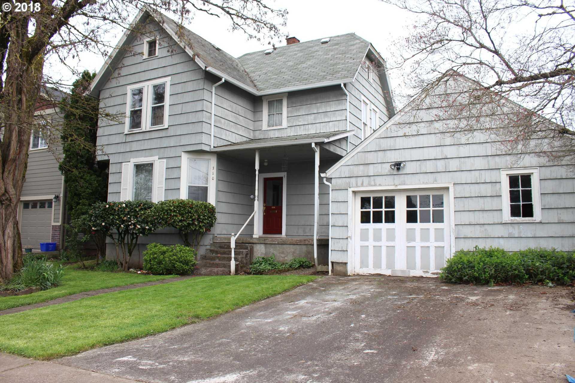 $299,900 - 4Br/1Ba -  for Sale in Gladstone