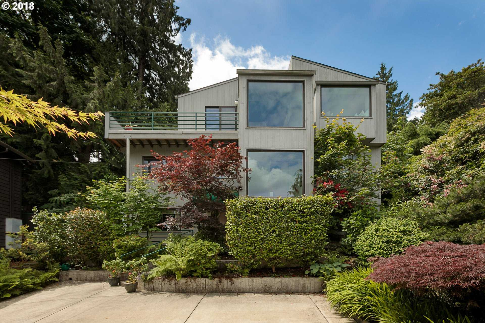 $749,000 - 2Br/2Ba -  for Sale in Willamette Heights, Portland