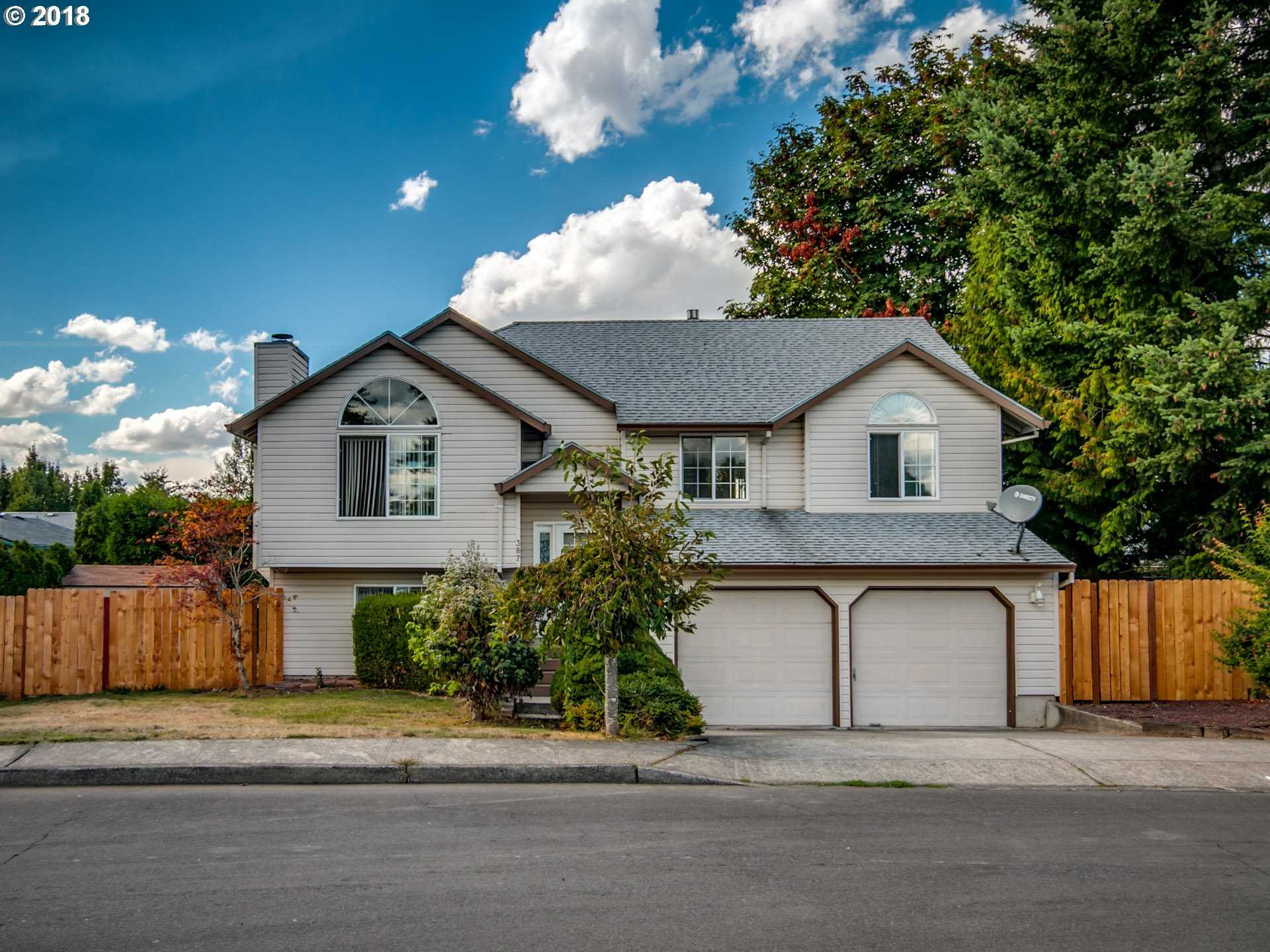 $369,900 - 4Br/3Ba -  for Sale in Powell Valley, Gresham