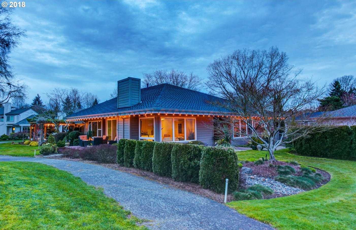 $689,000 - 3Br/3Ba -  for Sale in Charbonneau, Wilsonville