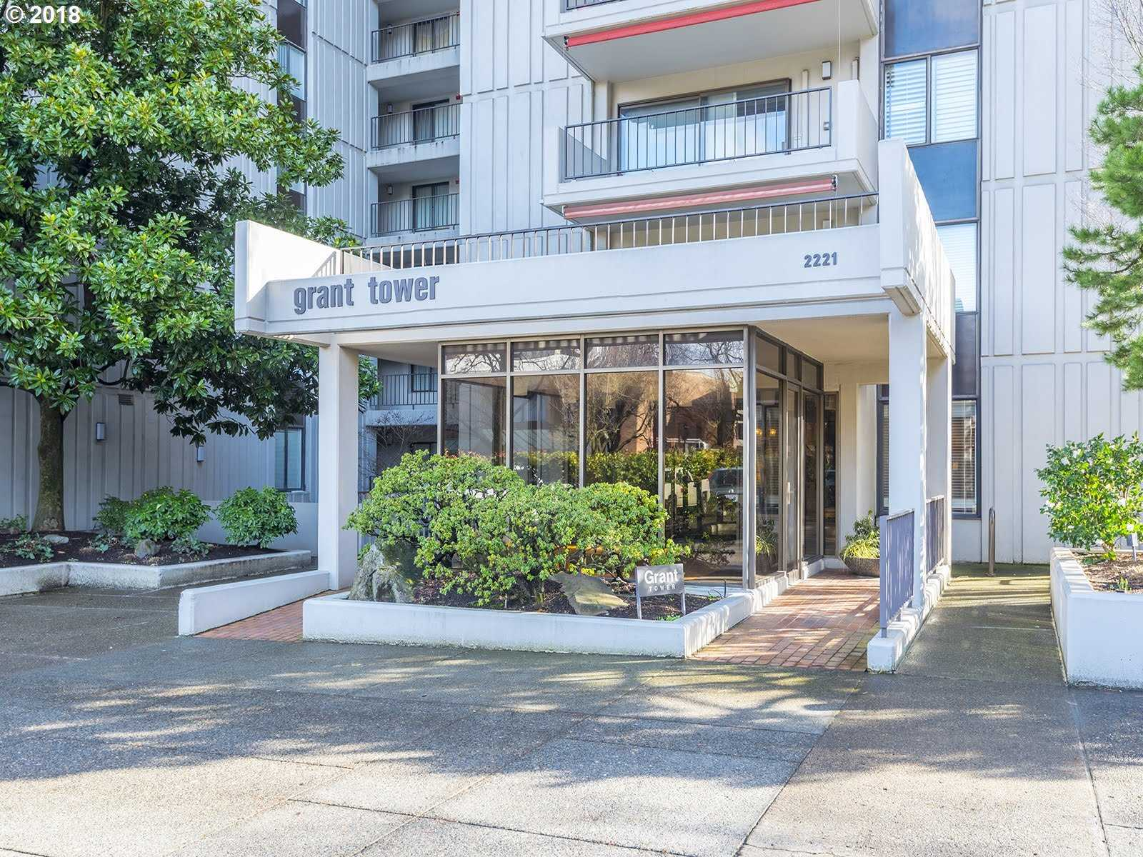 $439,000 - 2Br/2Ba -  for Sale in American Plaza Towers, Portland