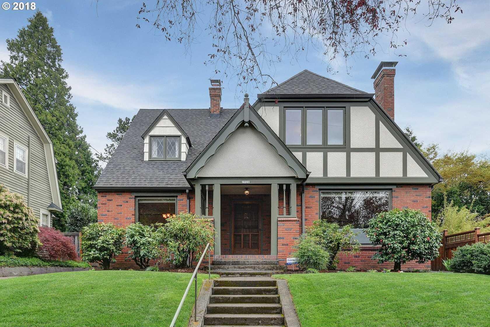 $859,900 - 4Br/2Ba -  for Sale in Alameda / Irvington, Portland