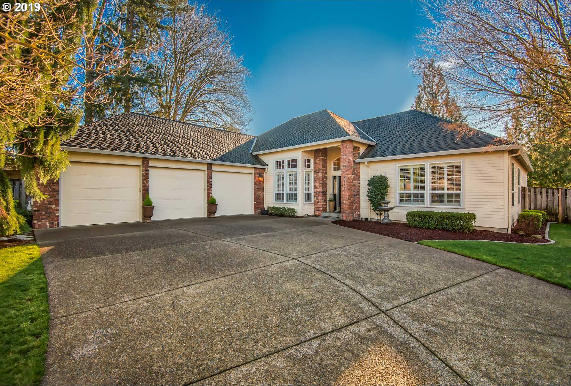 $489,900 - 3Br/2Ba -  for Sale in Willow Creek Estates, Canby