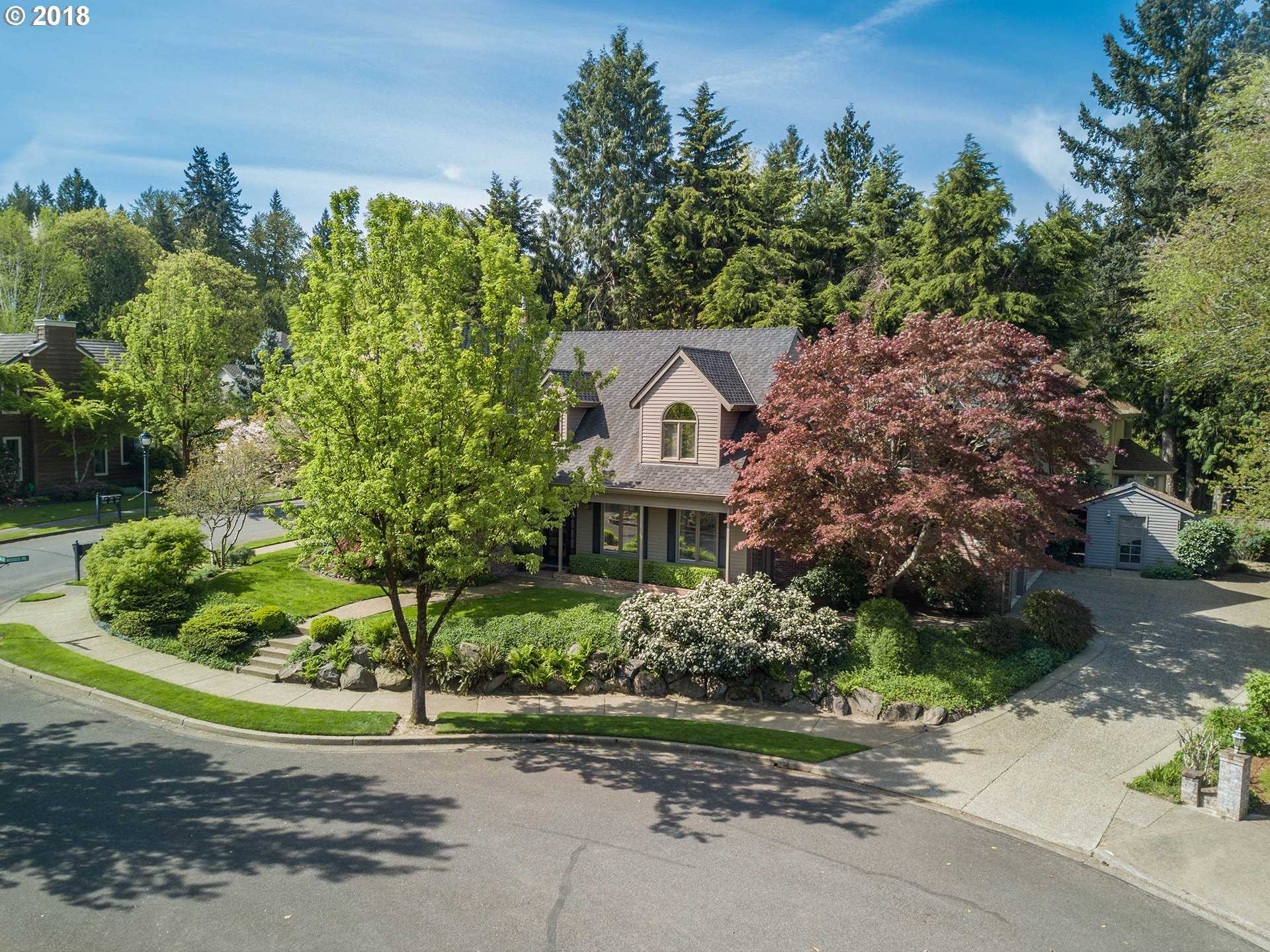 $1,020,000 - 3Br/4Ba -  for Sale in Lake Oswego