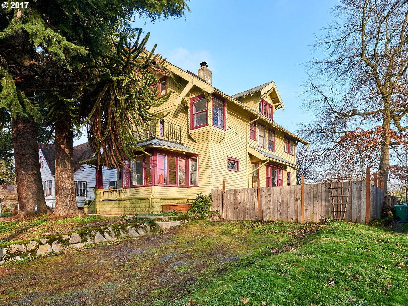 $779,000 - 5Br/3Ba -  for Sale in Portland