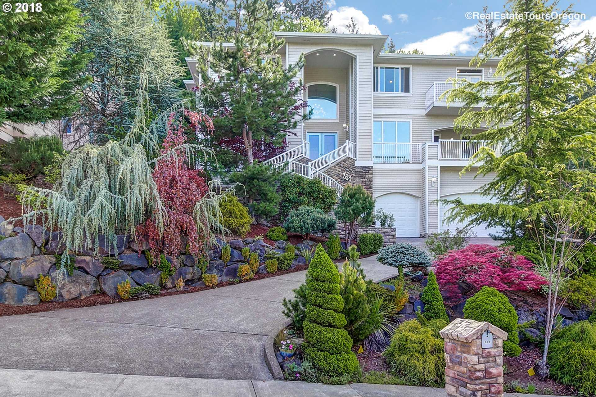 $869,900 - 4Br/4Ba -  for Sale in Portland