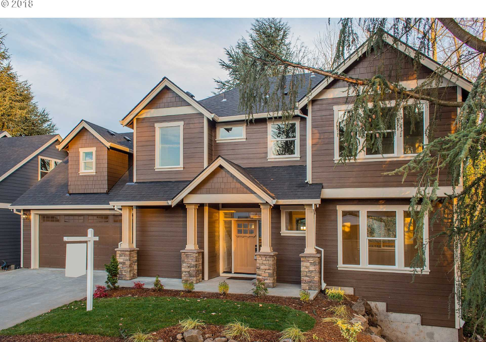 $549,900 - 4Br/4Ba -  for Sale in Milwaukie