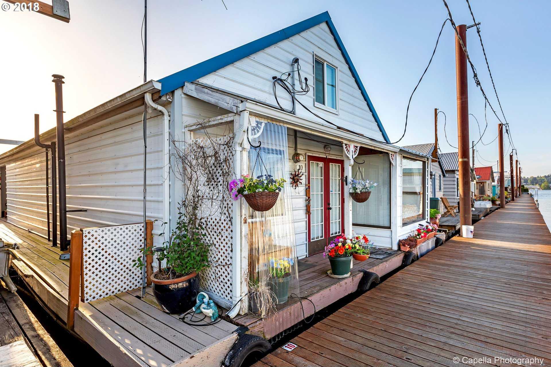$199,000 - 2Br/2Ba -  for Sale in Mccuddy's Marina, Portland