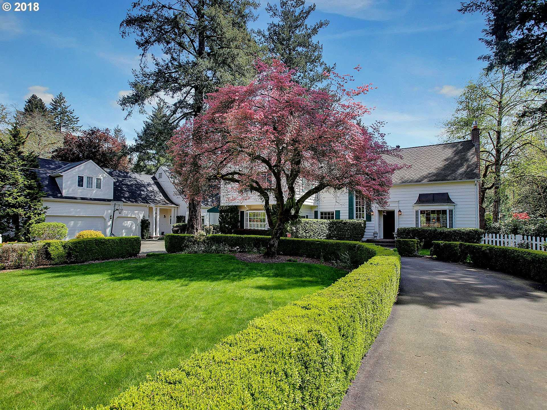 $2,350,000 - 4Br/4Ba -  for Sale in Lake Front, Lake Oswego