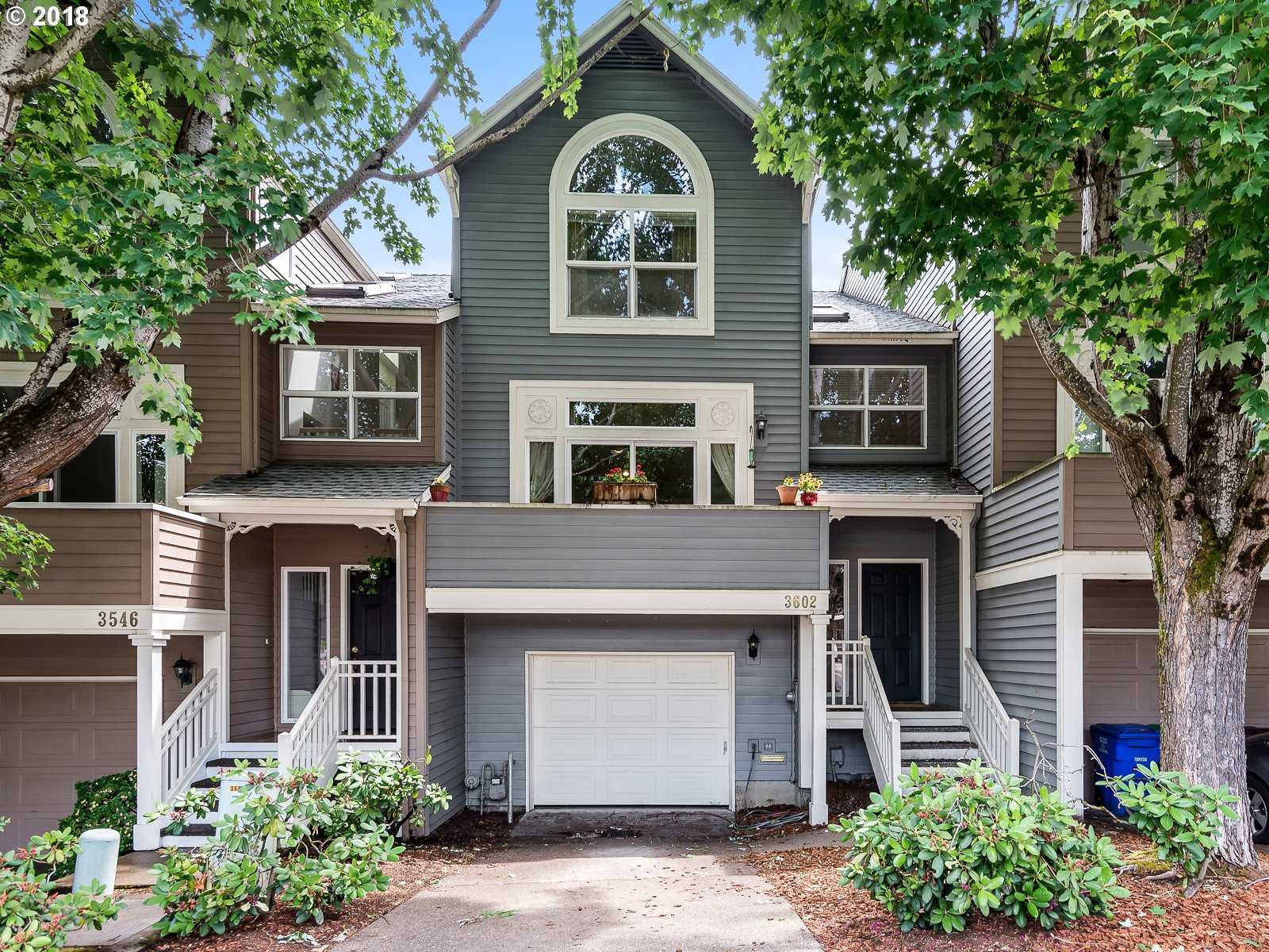$499,900 - 4Br/3Ba -  for Sale in Johns Landing, Portland