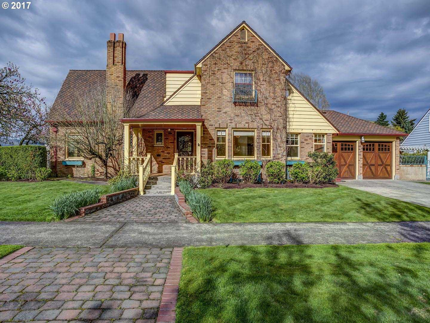 $799,000 - 4Br/3Ba -  for Sale in Portland