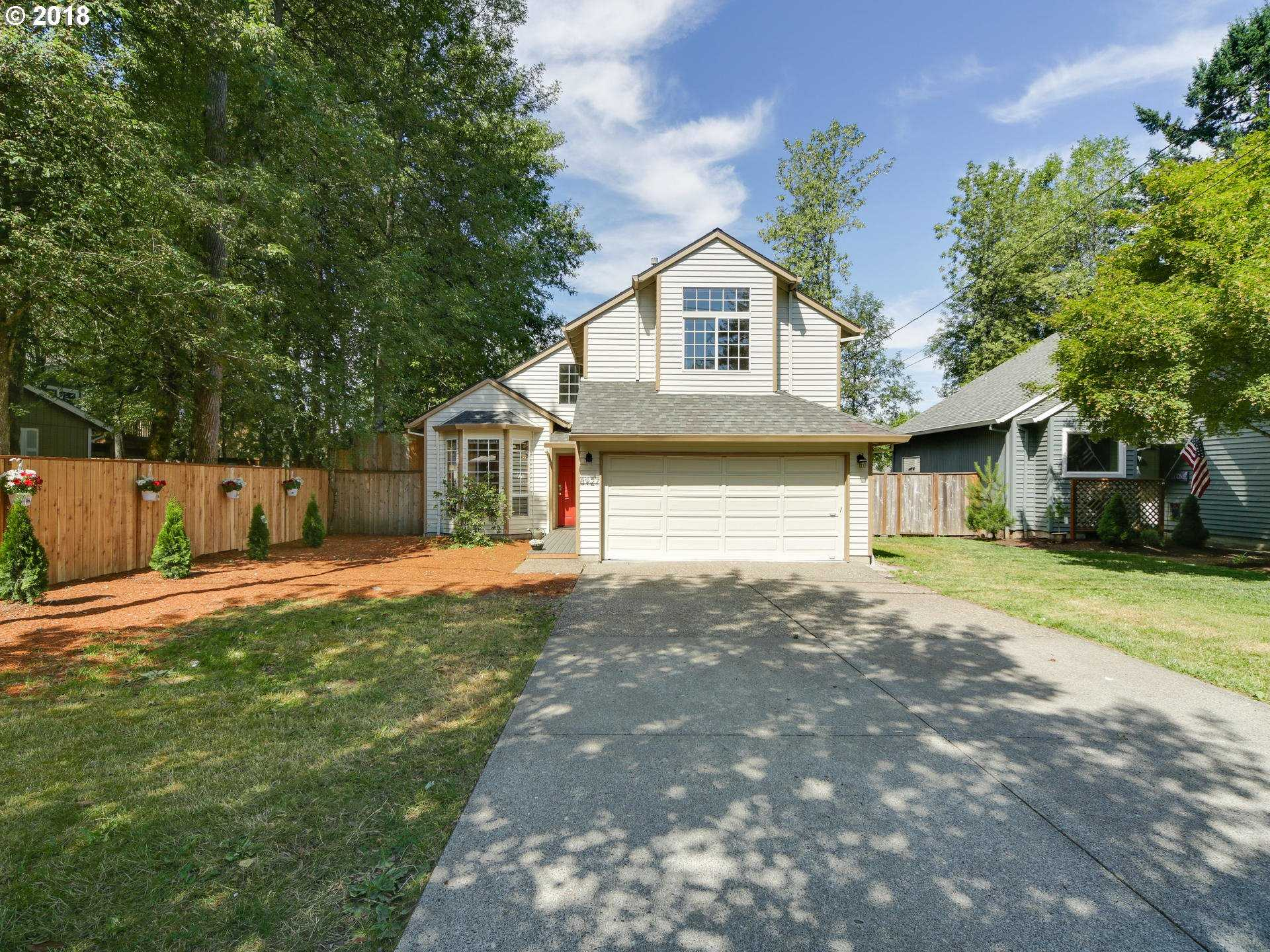 $479,900 - 3Br/3Ba -  for Sale in Ashcreek/multnomah Village, Portland