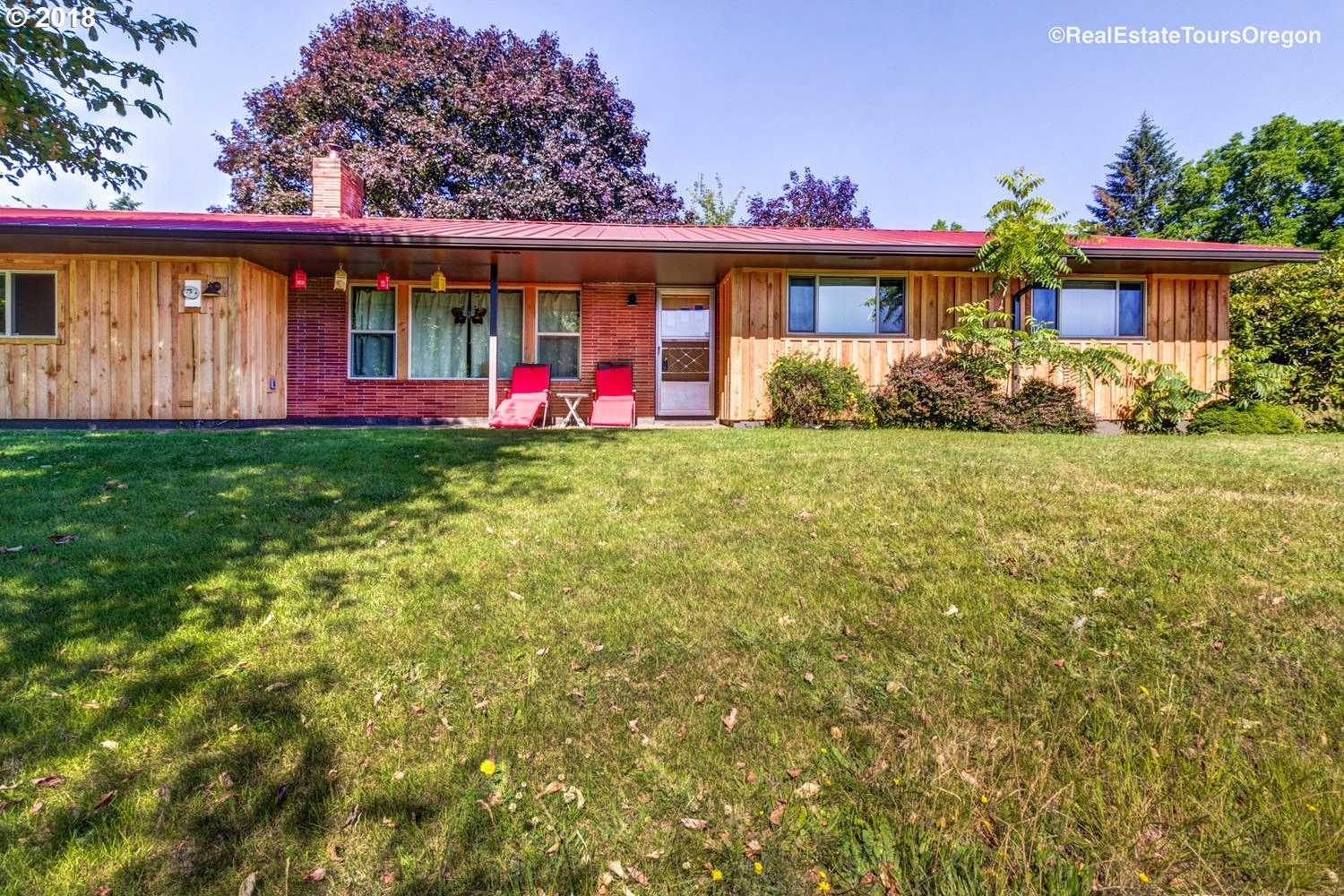 $1,550,000 - 3Br/2Ba -  for Sale in Newberg