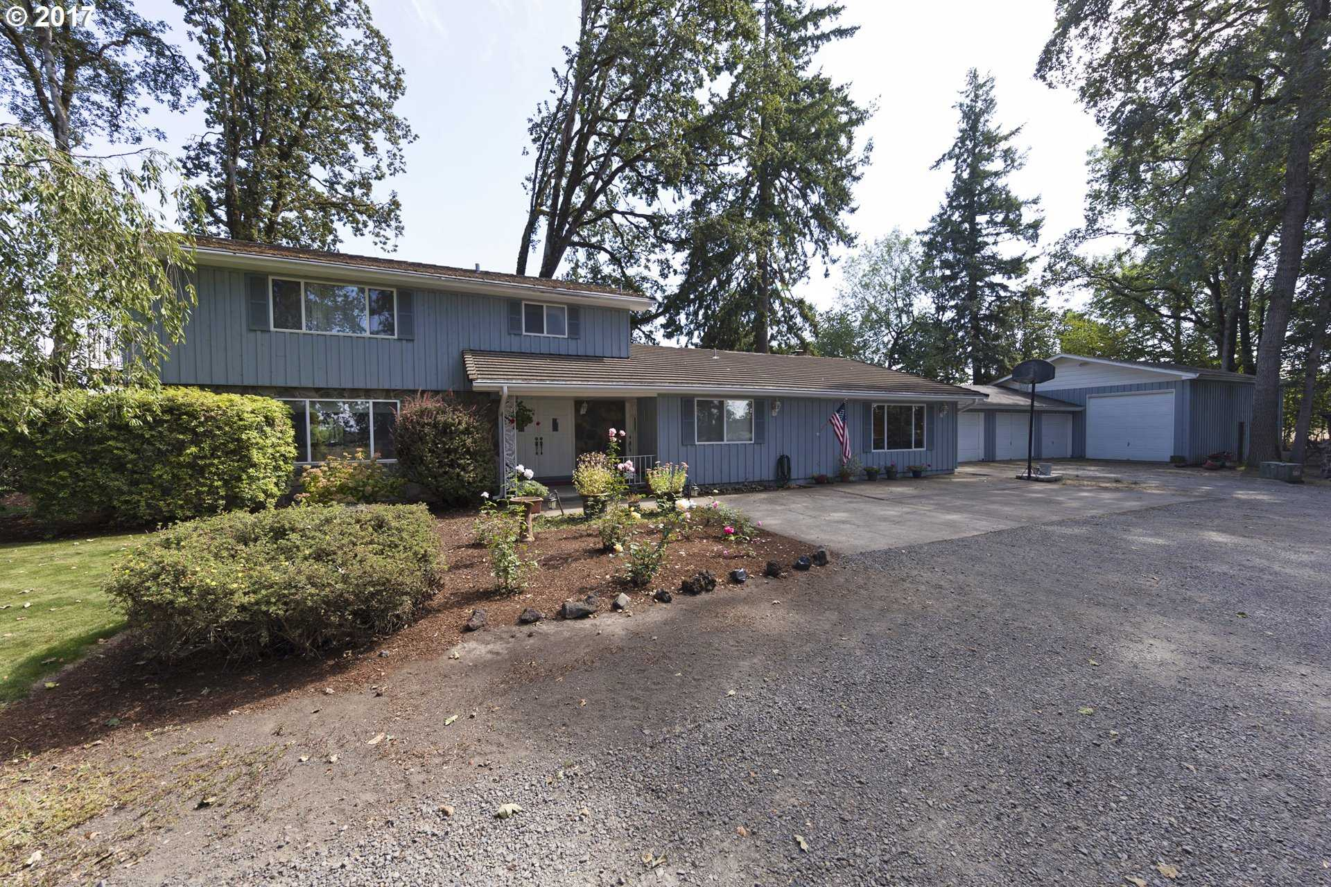 $699,900 - 4Br/3Ba -  for Sale in Canby