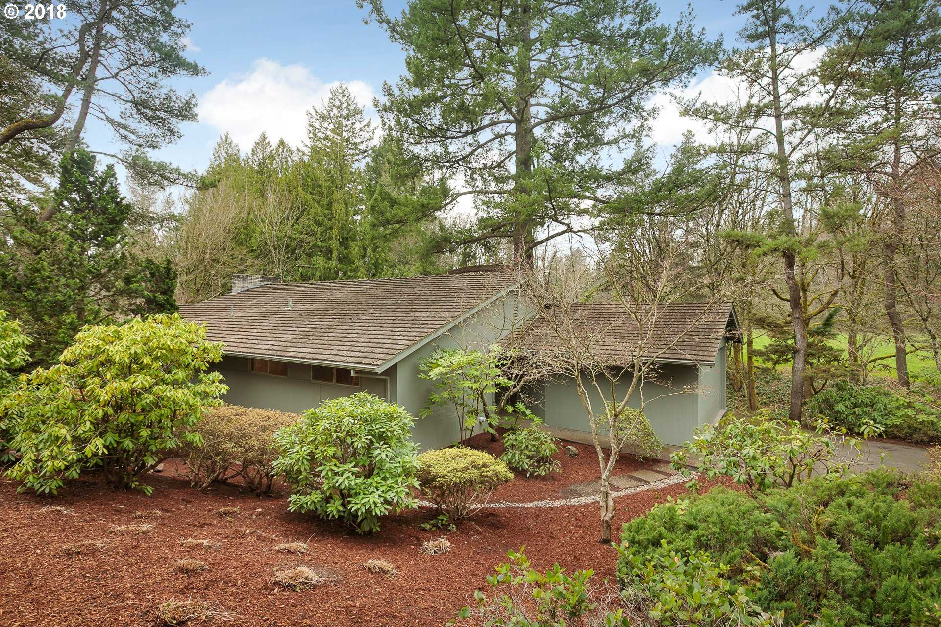 $829,000 - 5Br/3Ba -  for Sale in Portland