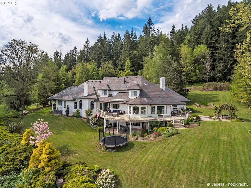$2,699,000 - 4Br/6Ba -  for Sale in Lake Oswego