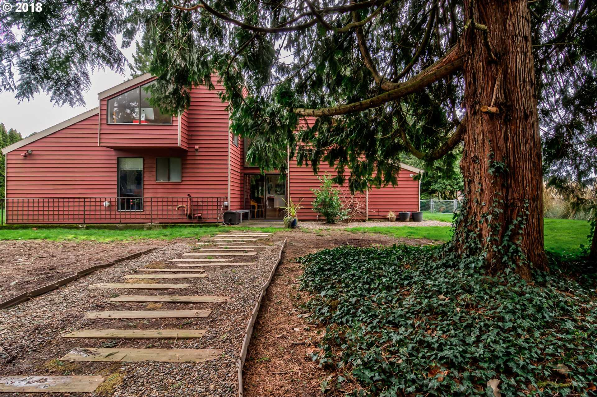 $500,000 - 3Br/3Ba -  for Sale in Concord Crest, Milwaukie