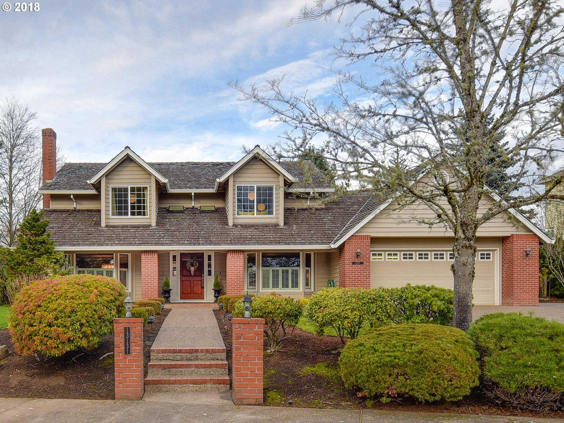 $734,900 - 4Br/3Ba -  for Sale in Bauer Woods, Portland