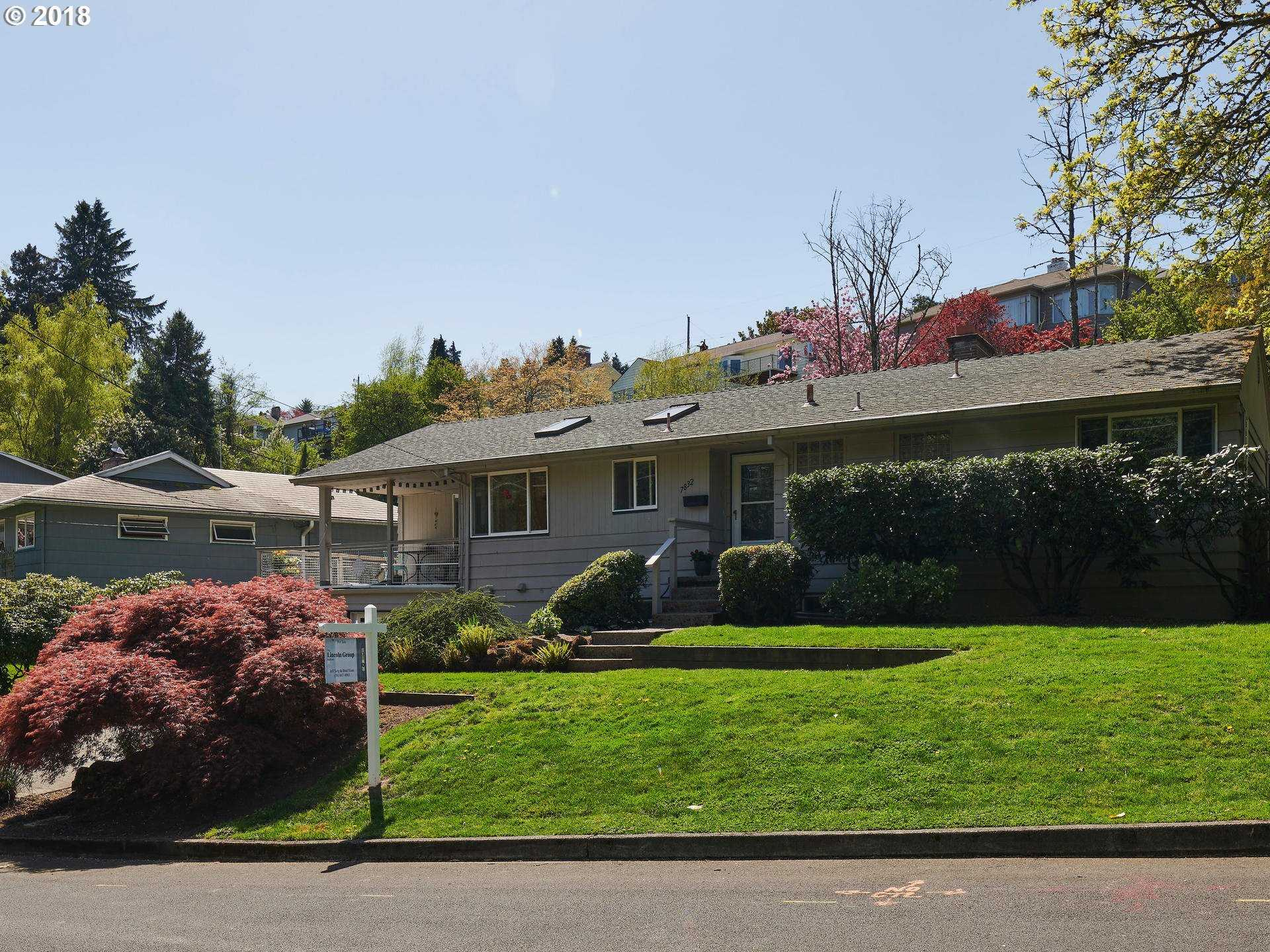 $550,000 - 3Br/2Ba -  for Sale in South Burlingame, Portland