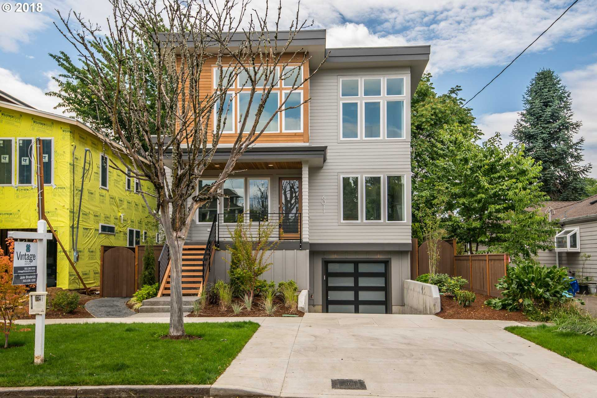 $799,900 - 4Br/4Ba -  for Sale in Portland