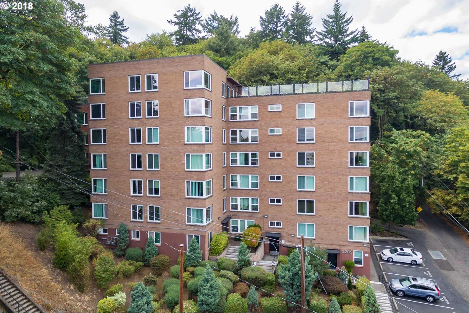 $200,000 - Br/1Ba -  for Sale in Goose Hollow Foothills, Portland