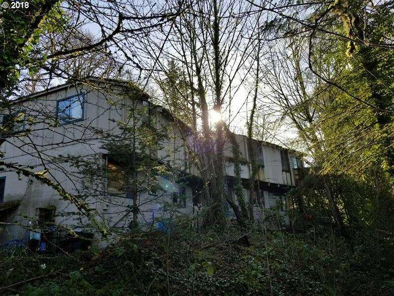 $550,000 - 7Br/4Ba -  for Sale in Milwaukie