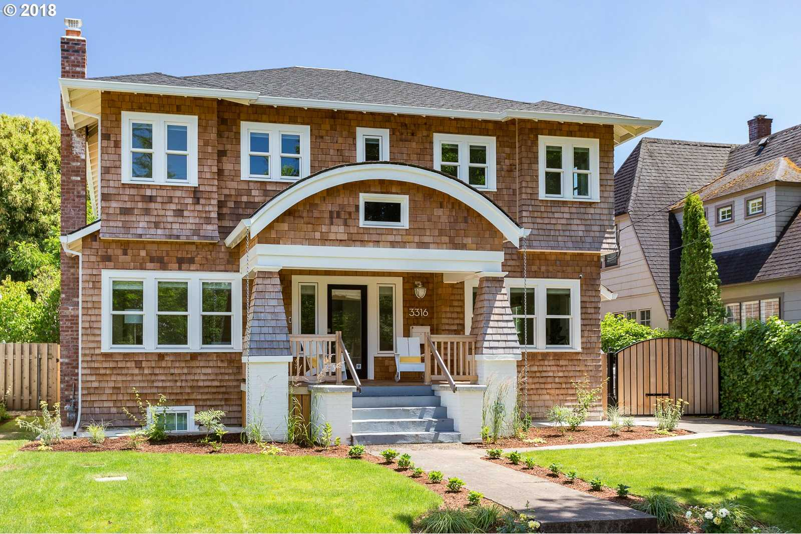 $1,200,000 - 5Br/4Ba -  for Sale in Alameda / Beaumont, Portland